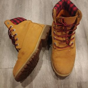 Women's Timberland Plaid Flannel Boots 7